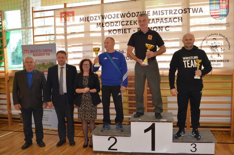 Trzy medale zapaśniczek Guliwera Kielce na Międzywojewódzkich Mistrzostwach Młodziczek [ZDJĘCIA]