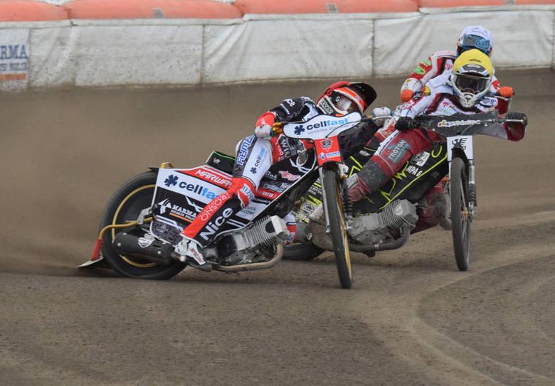 Dopiero ostatni bieg rozstrzygnął kto zwycięży w pojedynku Wilki Krosno - ZOOleszcz Polonia Bydgoszcz. Ostatecznie ze zwycięstwa mogli cieszyć się goście.
