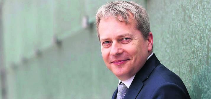 Wojciech Saługa w latach 2014-2018 był marszałkiem województwa śląskiego. Obecnie zasiada w sejmiku śląskim, ale ma nadzieję, że za kilka tygodni zasiądzie w sejmowych ławach przy Wiejskiej