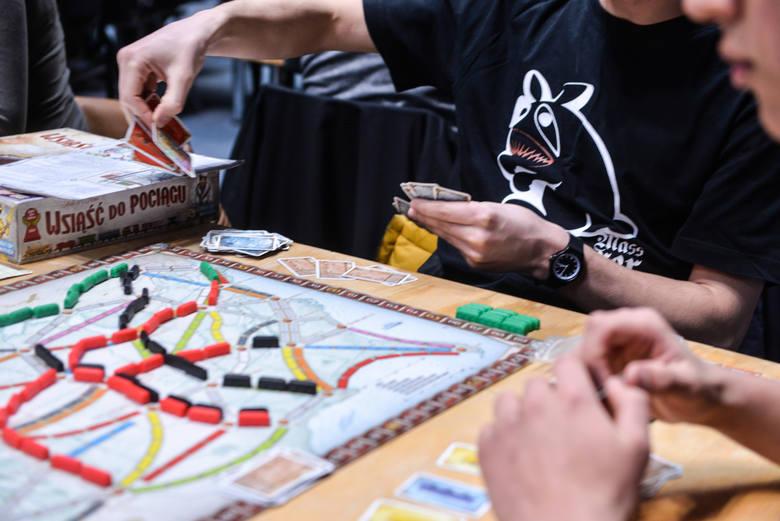 W najbliższy weekend (29-30 września) we Wrocławiu organizowany jest Festiwal Gier Planszowych. W planszówki będzie można pograć w Empiku w Galerii Dominikańskiej.