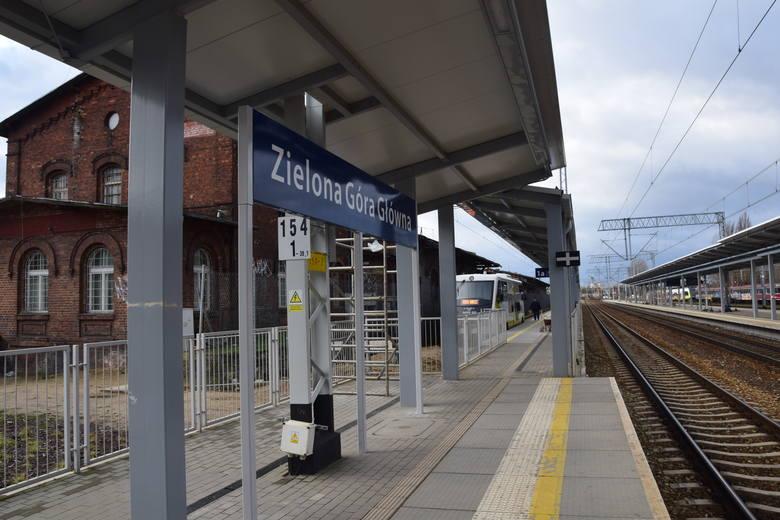 Z powodu sytuacji, związanej z koronawirusem, wiele pociągów zostało odwołanych.