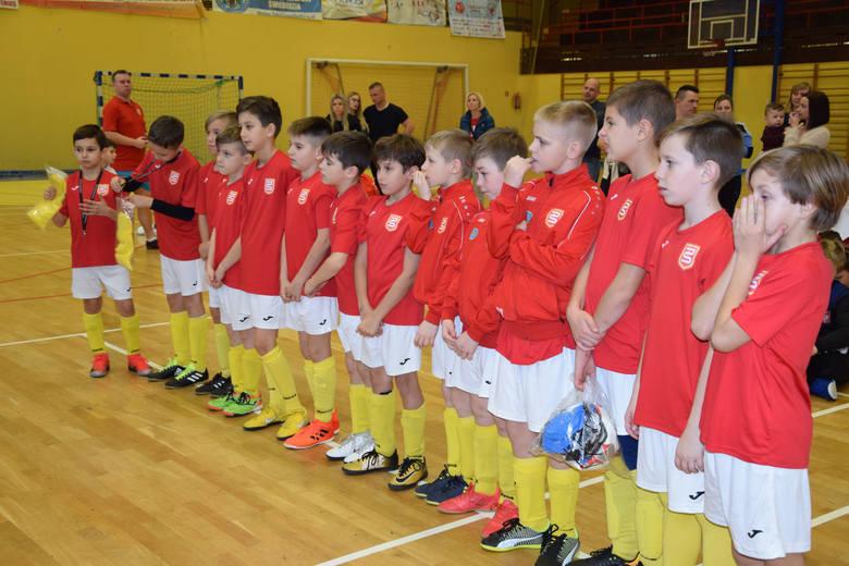 W niedzielę, 13 stycznia, w hali sportowej w Brójcach Lubuskich odbędzie się turniej piłki nożnej w kategorii E1 Orlików (rocznik 2008) o Puchar Prezesa
