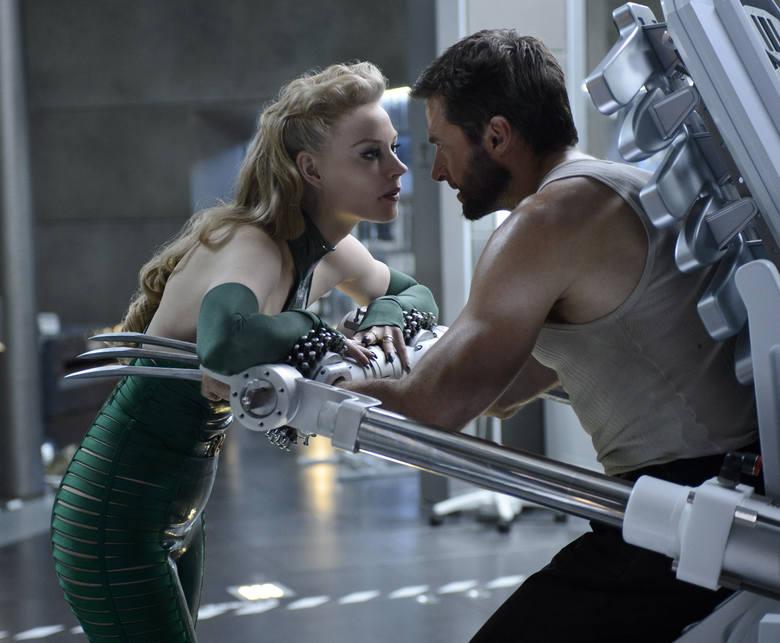 """""""Wolverine""""Wolverine (Hugh Jackman) po śmierci Jean (Famke Janssen) jest pogrążony w rozpaczy. Zaszywa się w górach Alaski, by cierpieć"""