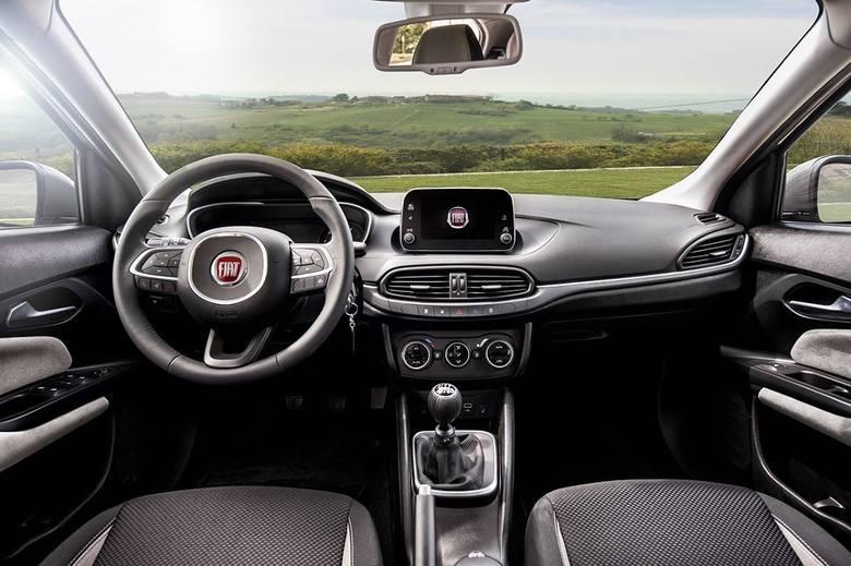 Kompaktowy Fiat Tipo przebojem wdarł się na rynek. Model zaistniał nawet w wymagającym segmencie aut flotowych. Za co został doceniony?