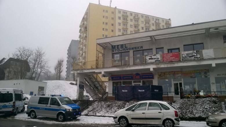 Do zdarzenia doszło w środę (7 marca) rano, na Osiedlu Słonecznym w Gorzowie. O sprawie poinformowała policję kobieta, która znalazła zwłoki.Jak poinformował