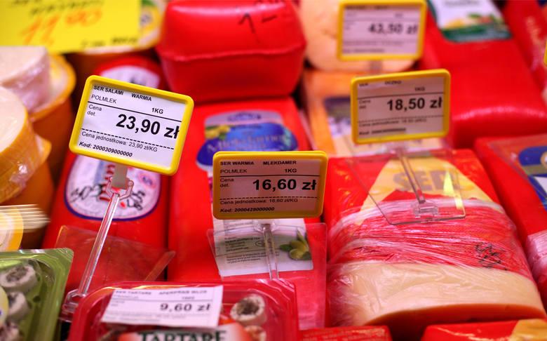 Najtańsze zakupy przez kilka ostatnich miesięcy można było zrobić w sklepach Auchan. Jedynie w lutym na prowadzenie wysunął się Lidl. [/b]W marcu ponownie