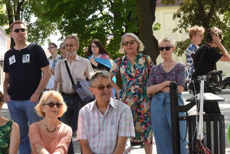 """Sobota, 27 lipca 2019 rok. Akcja """"Zielona Góra wolna od nienawiści""""."""