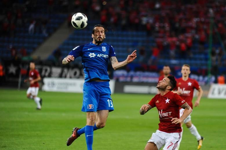 Vujadinović jest symbolem słabości Kolejorza w obronie. Czym sobie na to zasłużył?