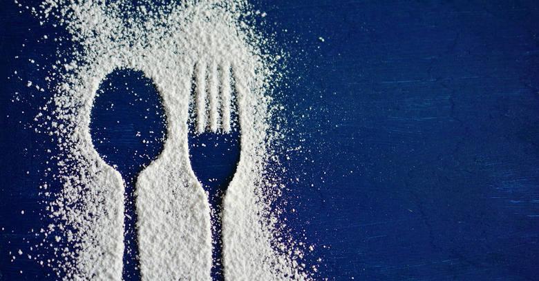 Ukryta słodycz, czyli w czym jest cukier? Codziennie zjadasz nawet 25 łyżeczek