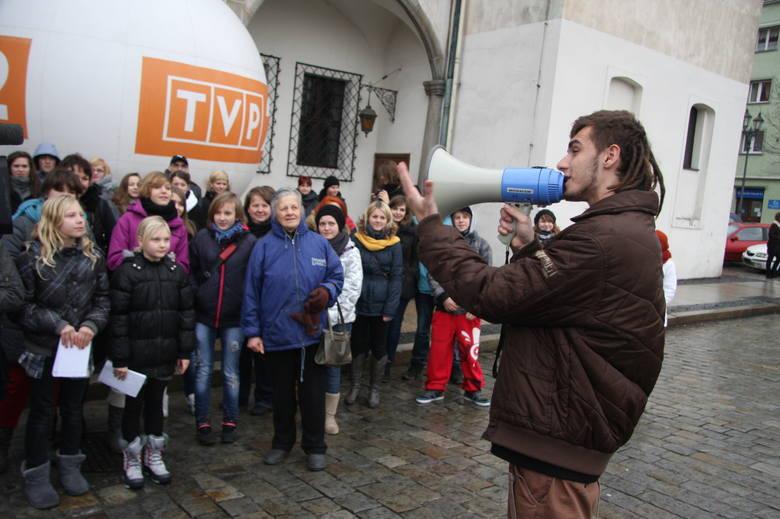 Kamil Bednarek przyjechał dopingować głosy na castingu.