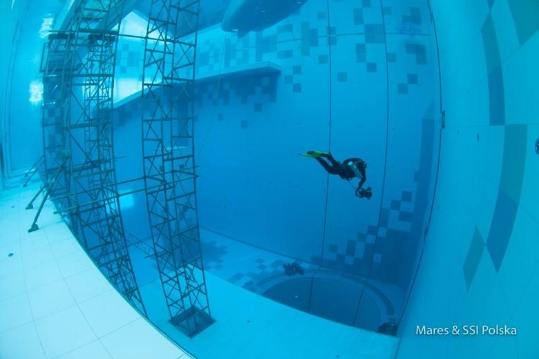 Deepspot - powstały koło Warszawy najgłębszy basen na świecie - to raj dla pasjonatów nurkowania [ZDJĘCIA]