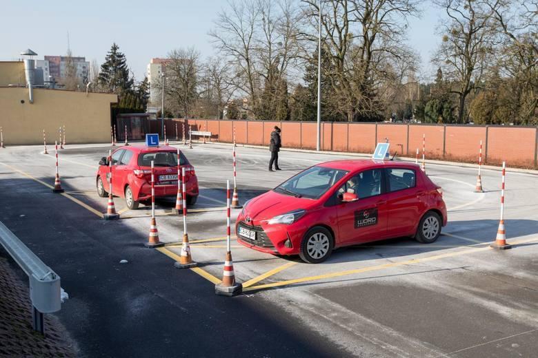 """Zmiany w prawie jazdy.Rzecznik MI Szymon Huptyś wskazał, że """"projekt ustawy wdraża dyrektywę Parlamentu Europejskiego i Rady 20218/645 z 18"""