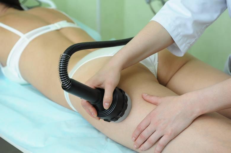 Medycyna estetyczna oferuje wiele skutecznych rozwiązań, pozwalających na redukcję cellulitu z jednoczesnym ujędrnieniem skóry