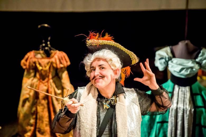 Arleta Godziszewska jako Papkin