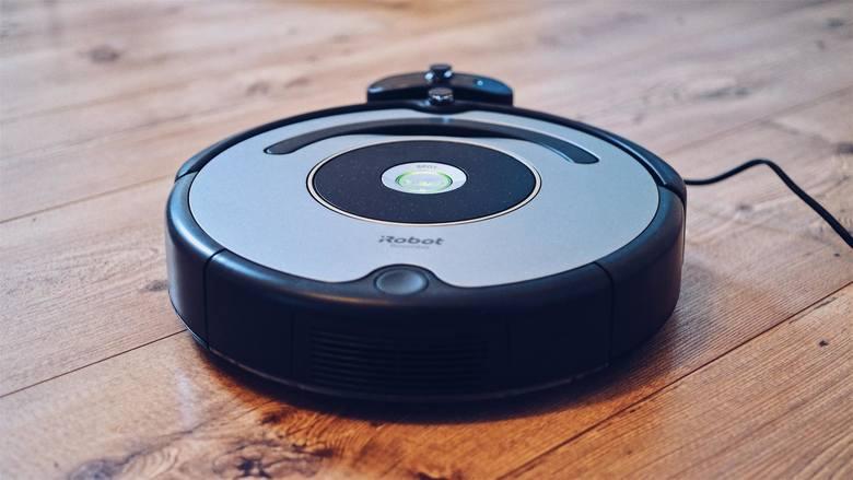 """Masz dość sprzątania? Naukowcy najwyraźniej też, bo wróżą nam przyszłość, w której dom posprząta się sam. Według raportu """"Samsung KX50: The Future in"""