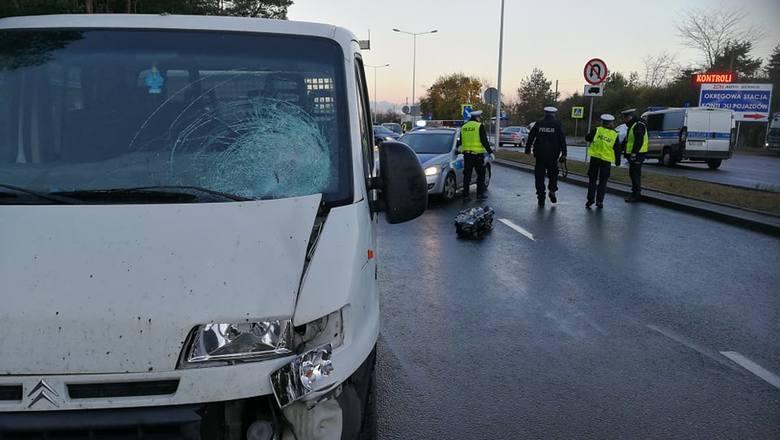 Wideo:  Śmiertelny wypadek na ulicy Toruńskiej we Włocławku Do śmiertelnego potrącenia doszło w środę (24 października) około godzony 7 na ulicy Toruńskiej