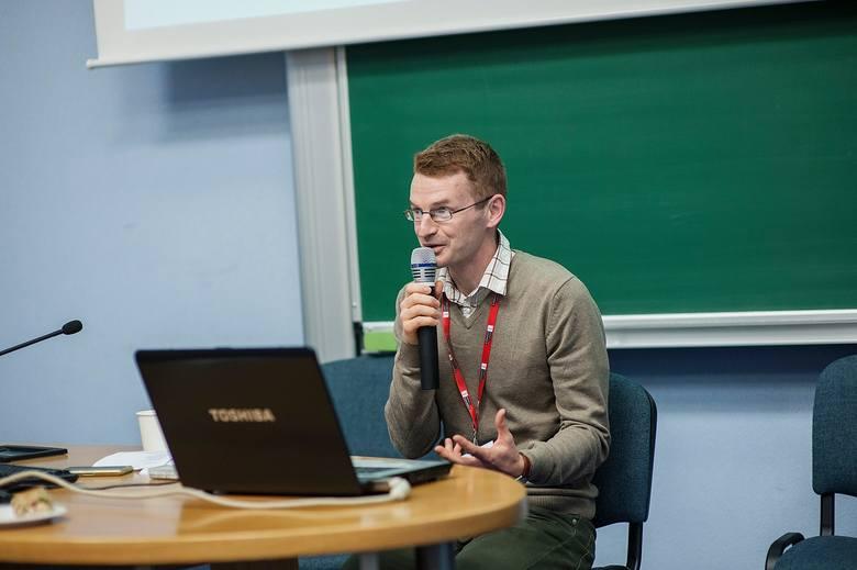 Dlaczego ktoś kibicuje Arce Gdynia, a inny woli Lechię Gdańsk - mówi socjolog sportu dr Radosław Kossakowski