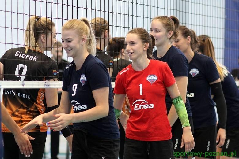 Klaudia Świstek (z lewej) i jej koleżanki z Enei Energetyka są optymistkami przed inauguracją kolejnego sezonu w I lidze siatkarek