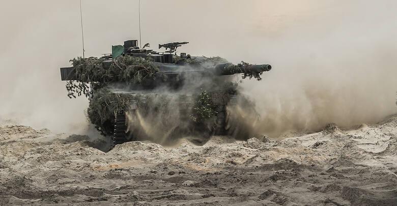 Minister Obrony Narodowej Mariusz Błaszczak odwiedził poligon w Nowej Dębie. Przyglądał się ćwiczeniom taktycznym Dragon-21. Zobaczcie galerię zdjęć