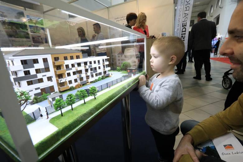 Polacy biorą coraz wyższe kredyty mieszkaniowe
