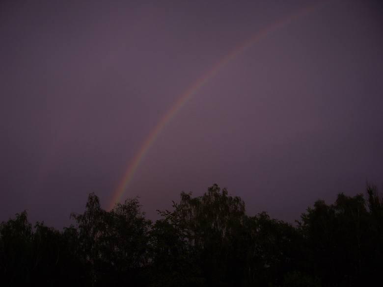 W Koszalinie po godz. 18 zaczął padać deszcz. Po ulewie na niebie pojawiła się tęcza. Zapraszamy do obejrzenia zdjęć z tego zjawiska atmosferycznego,