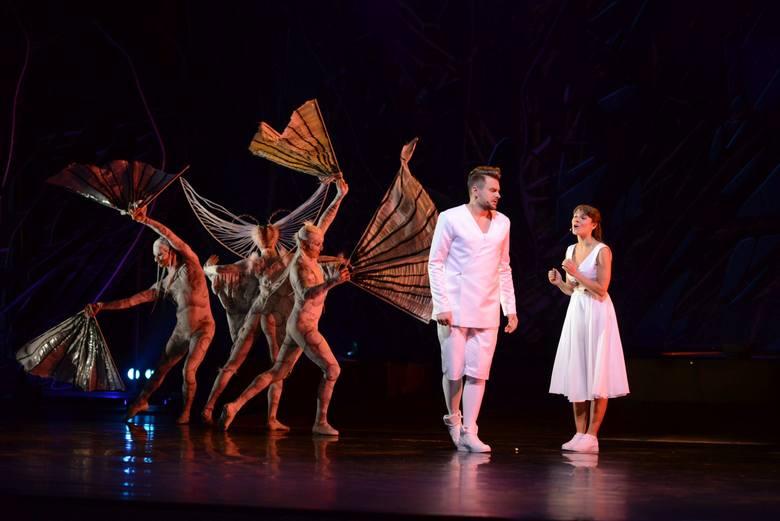 """Czy """"Lamaila"""" skutecznie zmierzy się z """"Królewną Śnieżką"""", która ponad 40 lat czaruje w Teatrze Wielkim i jak w konkurencji z Krasnalami wypadną Gilgolaki i inne fantastyczne dobre i złe stwory?"""
