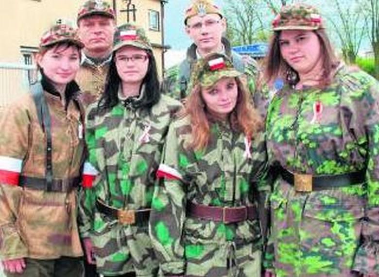 Monika Nitkowska, Piotr Kołodziejski, Natalia Rosińska, Marta Długosz, Karolina Jakubowska i Karol Pokropiwny.