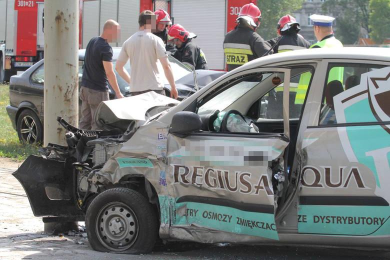 Wrocław: Wypadek na pl. Społecznym. Hyundai zderzył się z BMW (ZDJĘCIA)