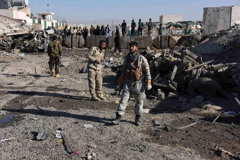 Afganistan: zamachowiec samobójca wjechał samochodem wyładowanym materiałami wybuchowymi w komisariat policji w prowincji Kandahar