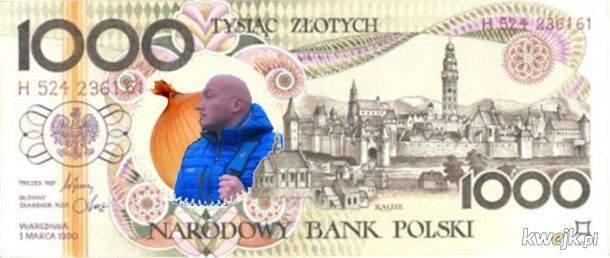 - Jeśli ktoś chowa banknoty gdzieś w bieliźniarce, z jakichś powodów boi się tego, co się z nimi stanie, to wygodniej jest odłożyć 500 zł czy 1000 zł