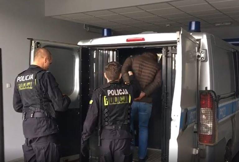 Bielszczanin pobił w jednym z bloków na Osiedlu Karpackim 24-latka, żądając od niego 40 tys. złotych.