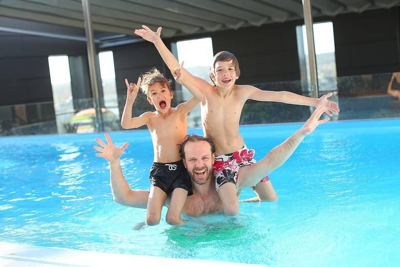 Wytyczne dotyczące funkcjonowania basenów, spa, jacuzzi i wodnych placów zabaw przygotował dla ministerstwa zdrowia Narodowego Instytutu Zdrowia Publicznego
