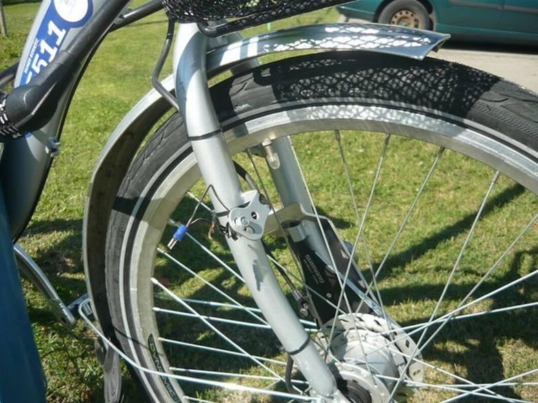 Białostockie rowery miejskie coraz częściej padają ofiarą wandali. We wtorek, około godz. 10, strażnicy miejscy otrzymali informację o porzuconym przy