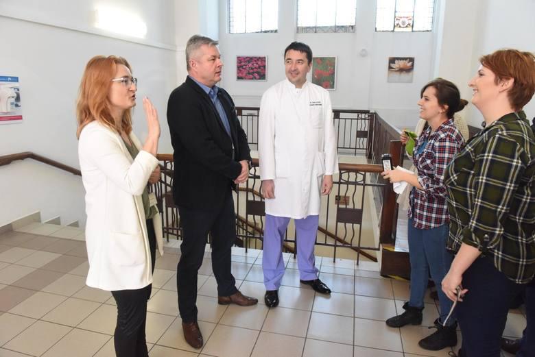 Zielonogórski szpital cieszy się z pozyskania dra Dawida Murawy