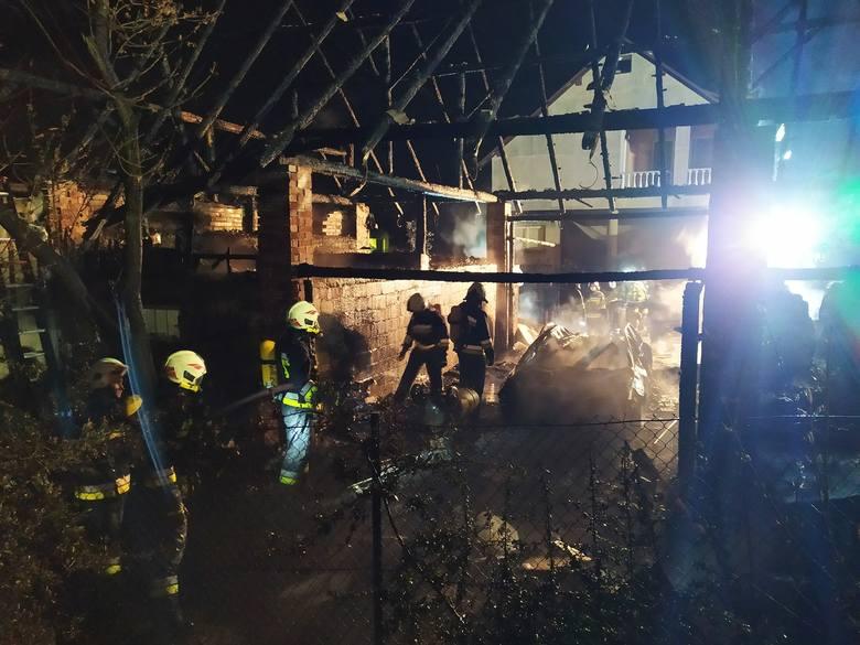 Nocą zapaliła się stodoła w Liszkach. Obiekt został całkowicie zniszczony, a z nim wiele sprzętu