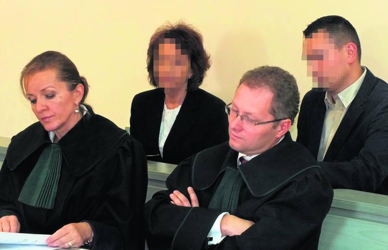 Kazimiera T. została skazana przez sąd w Bełchatowie na dwa lata pozbawienia wolności w zawieszeniu na cztery lata, pół miliona złotych grzywny i 7-letni