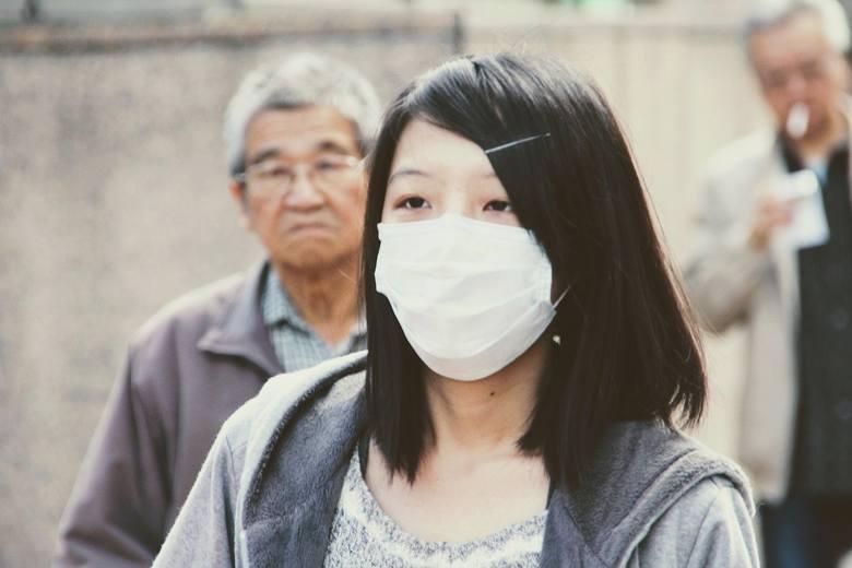 Wuhan, Chiny. W tym 11-milionowym mieście z końcem grudnia wybuchła epidemia. Od tego czasu o koronawirusie mówi się coraz więcej na świecie (i niestety,
