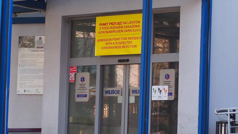 Szczecin. Szpital przy Arkońskiej - punkt przyjęć dla osób z podejrzeniem koronawirusa