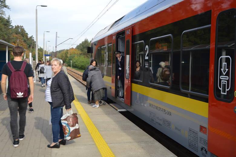 Od najbliższej niedzieli - 20 października zacznie obowiązywać zmieniona organizacja ruchu pociągów. Trwające prace remontowe w okolicach Łodzi będą