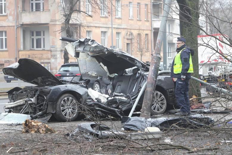 W maju doszło już do kilku tragedii. W dwóch wypadkach zginęło 7 osób, 2 utonęły. Zobaczcie największe tragedie ostatnich dni w naszym regionie. Dlaczego