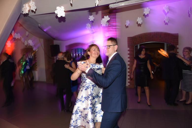 Tańce do białego rana. Taki może być Sylwester 2019. W lokalach są jeszcze wolne miejsca dla niezdecydowanych.
