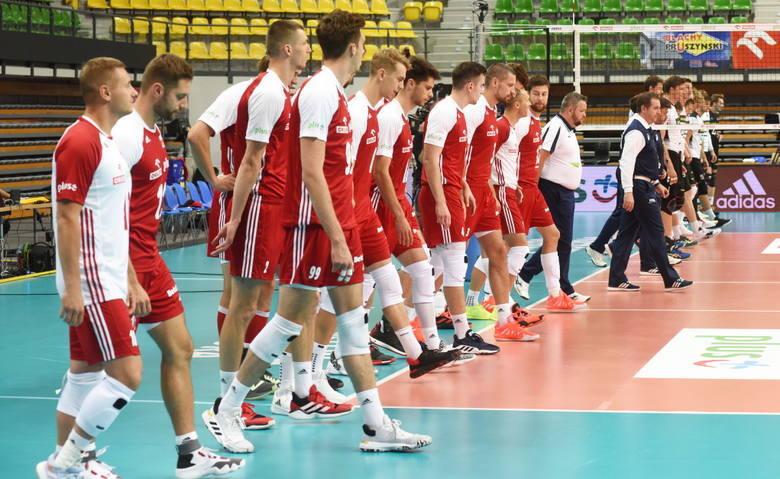 Biało-czerwoni po dobrej grze dwukrotnie pokonali Niemców w hali CRS.