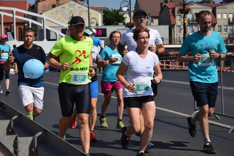 Nadwarciańska Dycha dała mocno w kość zawodnikom w Gorzowie w trakcie niedzielnego biegu