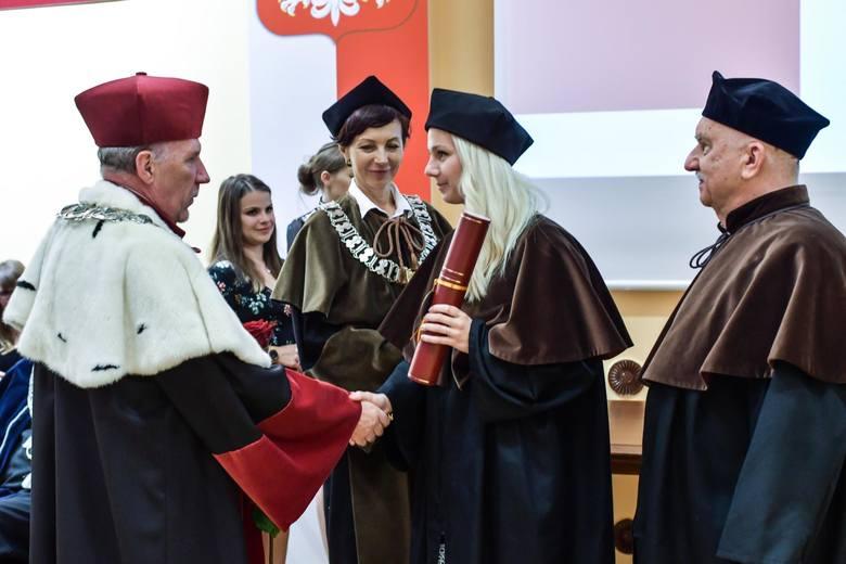 Pracownicy, naukowcy i studenci Uniwersytetu Technologiczno-Przyrodniczego im. Jana i Jędrzeja Śniadeckich w Bydgoszczy obchodzą swoje święto. Z tej