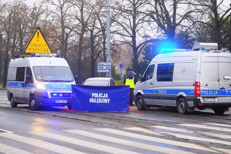Kierowcą toyoty rav4, który w sobotę potrącił rowerzystkę w centrum Czarnocina (powiat piotrkowski), był miejscowy ksiądz - potwierdziła nieoficjalne