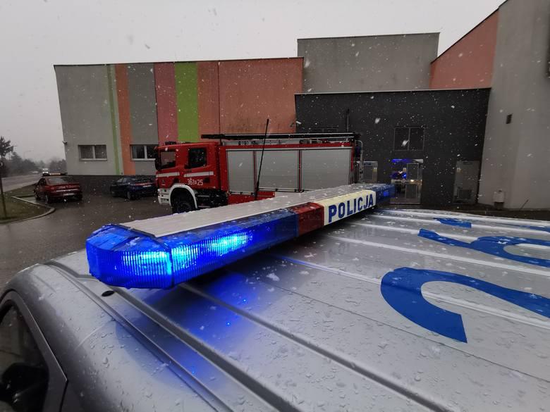 Na skrzynkę mailową kina Helios w Galerii Sanowa w Przemyślu trafił email z informacją o podłożonym ładunku wybuchowym. Na miejsce zadysponowano 3 zastępy