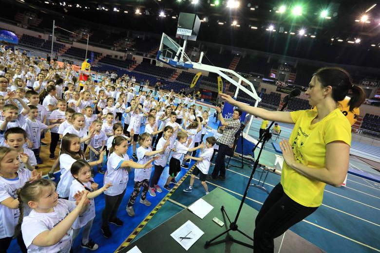 Monika Pyrek to wicemistrzyni Europy i świata w skoku o tyczce. Zakończyła już bogatą karierę, a teraz ze swoją fundacją organizuje pokazowe zajęcia,