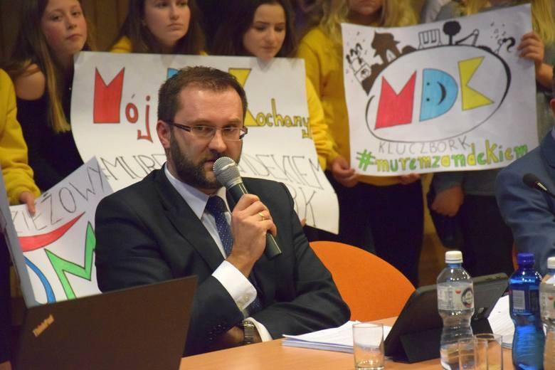 - Klasy będą pełne, a uczniowie z Ukrainy będą częściowo płacić - mówi starosta Birecki