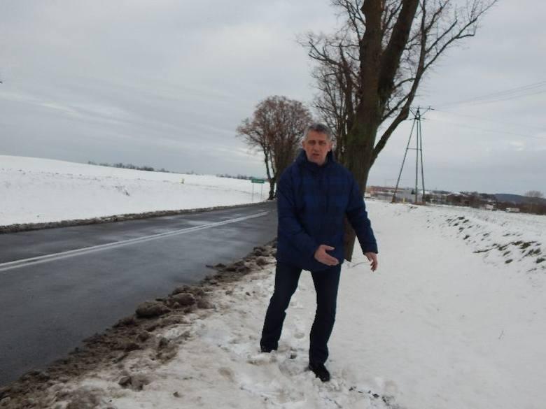 - Pod petycję o budowę ciągu pieszo - rowerowego podpisało się 1.300 osób - mówi sołtys Henryk Giecołd