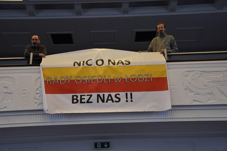 Reprezentacja Rad Osiedli przyszła do Urzędu Miasta Łodzi, aby nakłonić radnych miejskich, żeby nie skarżyli decyzji wojewody do Wojewódzkiego Sądu Administracyjnego. Chcieli też spotkać się z prezydent Łodzi i wręczyć jej petycję. Żaden zamiar się im nie powiódł.